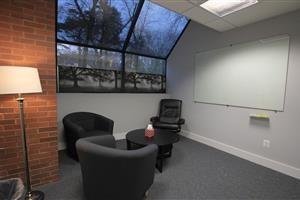 Headroom hypnosis room